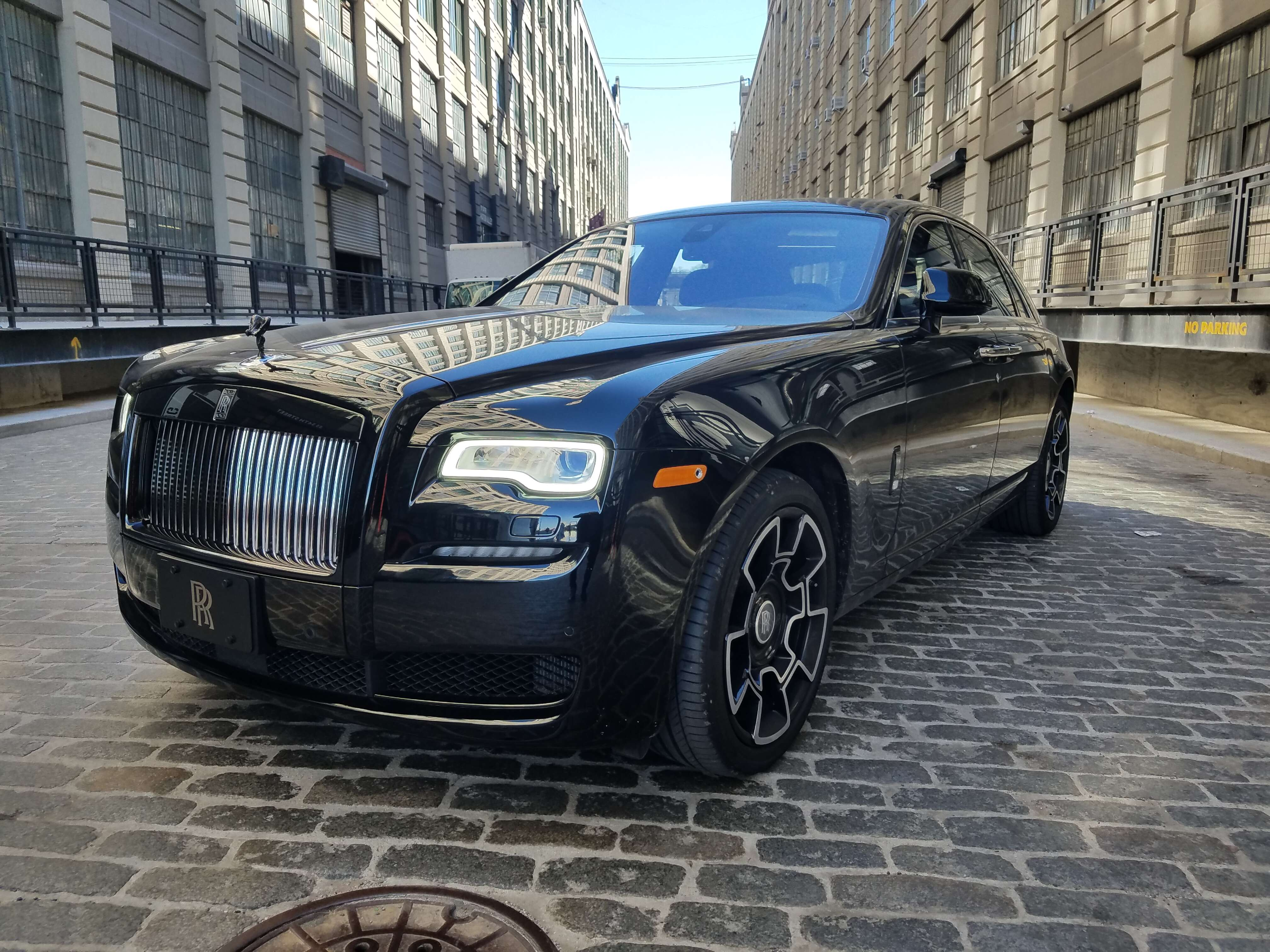 rare 2017 rolls royce ghost black badge is a 400 000 apparition the drive. Black Bedroom Furniture Sets. Home Design Ideas