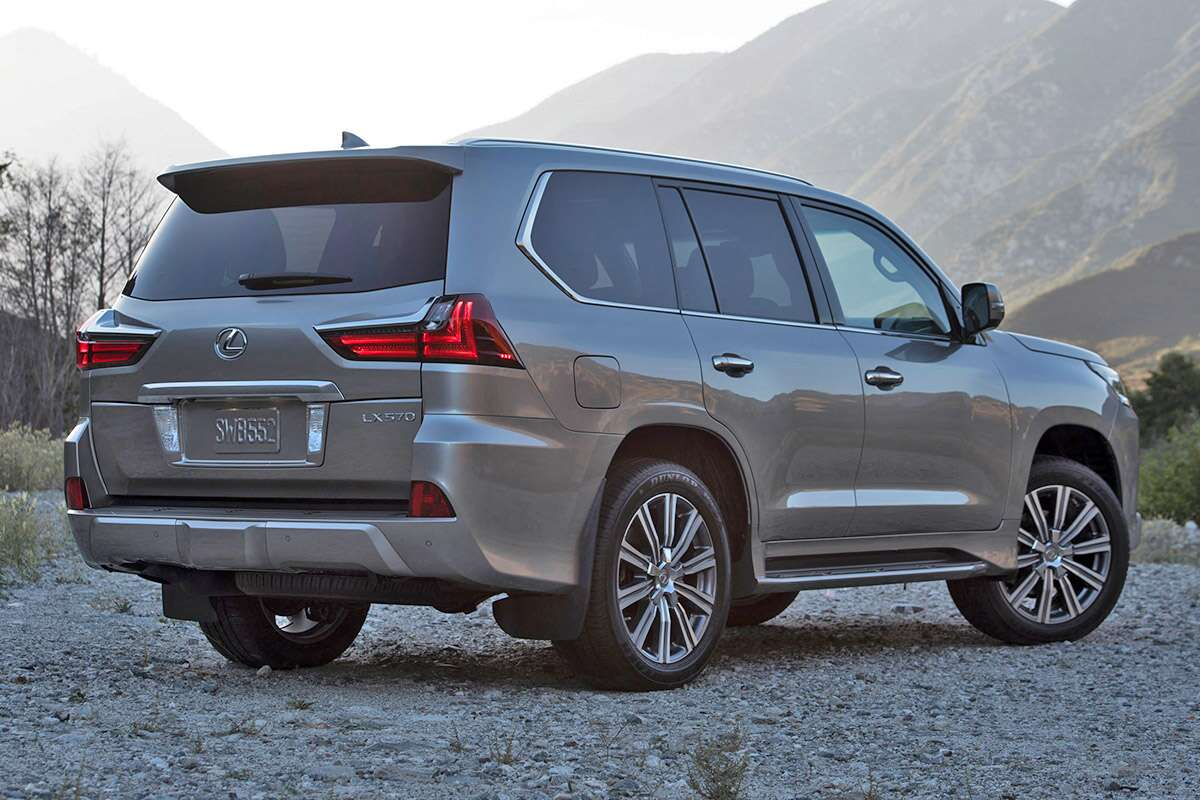 2017 lexus lx570 review the rolling throwback thursday of the suv world the drive. Black Bedroom Furniture Sets. Home Design Ideas