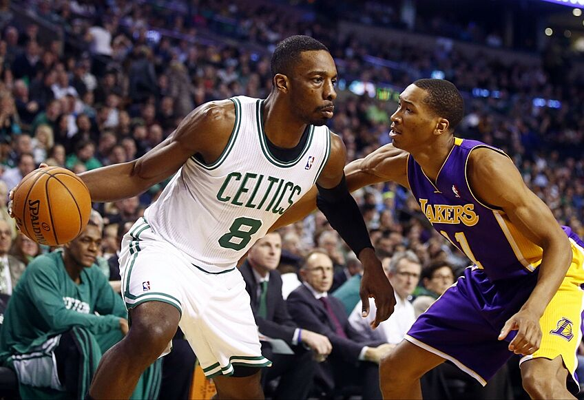 ab43134eade Los Angeles Lakers: 3 Players To Target