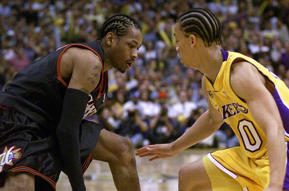 e8dbf40451b 6 Jun 2001: Tyronn Lue #10 of the Los Angeles Lakers guards Allen Iverson  #3 of the Philadelphia 76ers during Game 1 of the NBA Finals at Staples  Center in ...