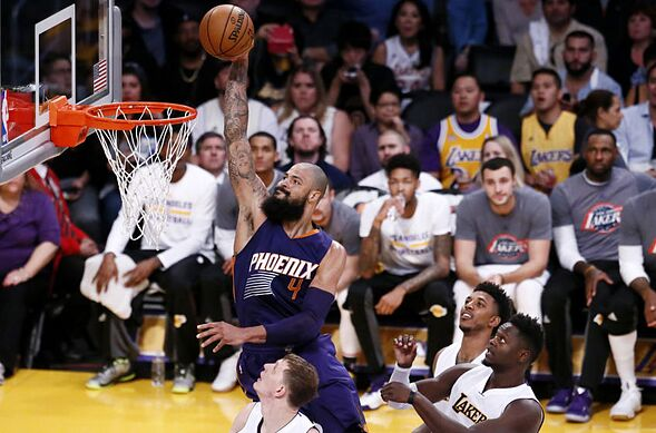 e234a22b23b Los Angeles Lakers: 3 reasons signing Tyson Chandler would be smart