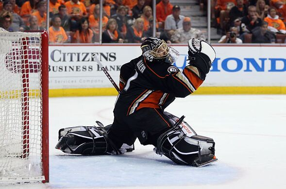 Anaheim Ducks Hockey 201 The Goalie S Butterfly Technique Page 2