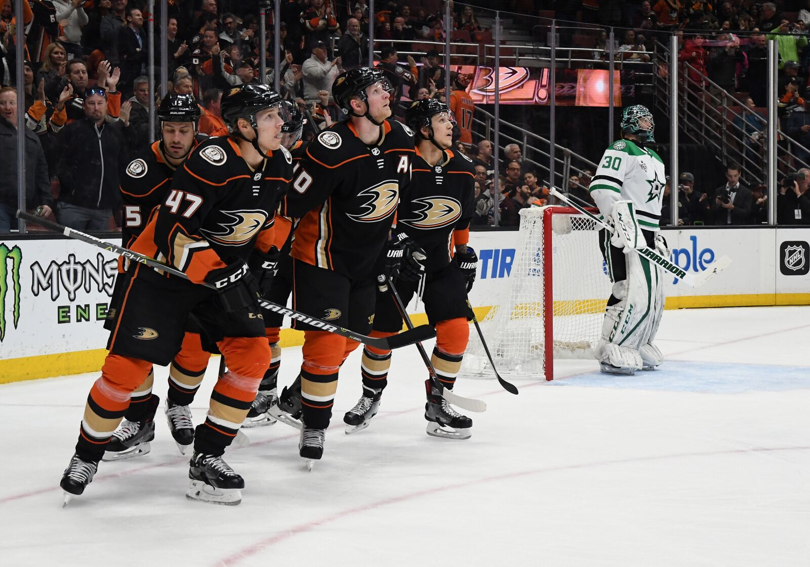 922597754-nhl-feb-21-stars-at-ducks.jpg