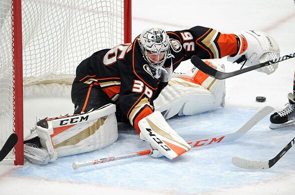 Anaheim Ducks Hockey 201 The Goalie S Butterfly Technique Page 3