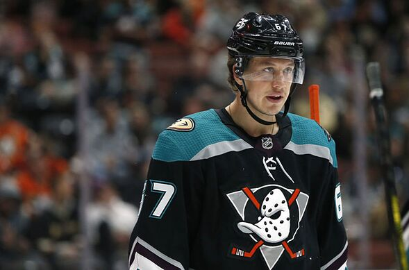 los angeles d7bbb 11411 Anaheim Ducks: Three Forwards That Must Step Up in 2019-20 ...