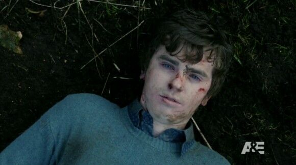 an introduction to the life of norman bates After five seasons playing a pre-psycho norman bates on a&e's critically acclaimed bates motel, freddie highmore deserved a break what he got was three days, just enough time to switch gears from a repeat murderer who begins to manifest his mother's personality after he kills her to dr shaun.