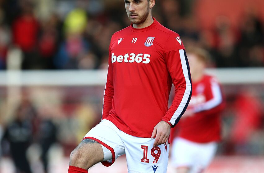 BRENTFORD, ENGLAND - JANUARY 04: Lee Gregory of Stoke City warms up prior to the FA Cup Third Round match between Brentford FC and Stoke City at Griffin Park on January 04, 2020 in Brentford, England. (Photo by Steve Bardens/Getty Images)