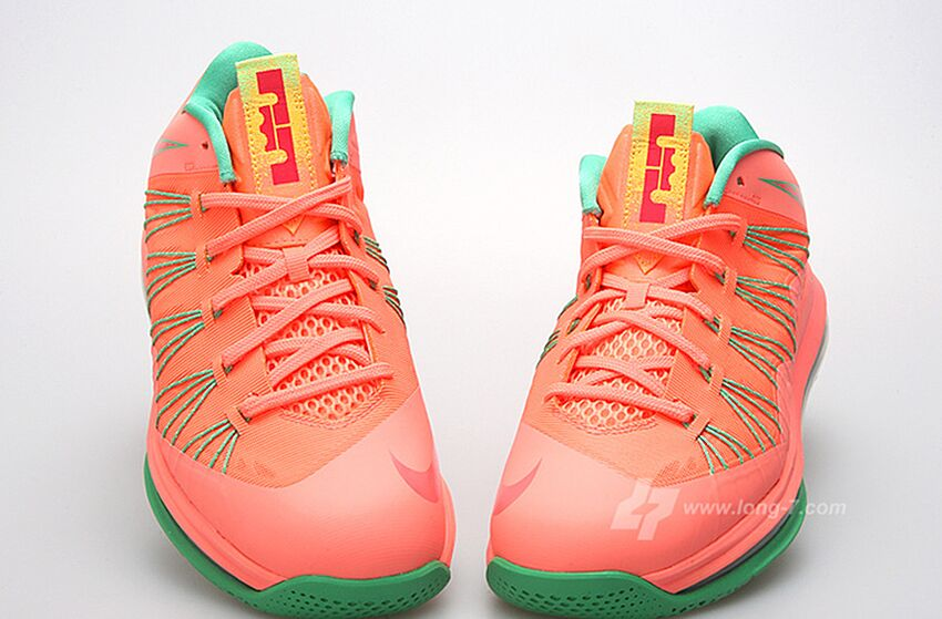 "low priced cbdc3 98e2f Twitter Reacts  Nike Releases LeBron James ""Watermelon"" Shoes"