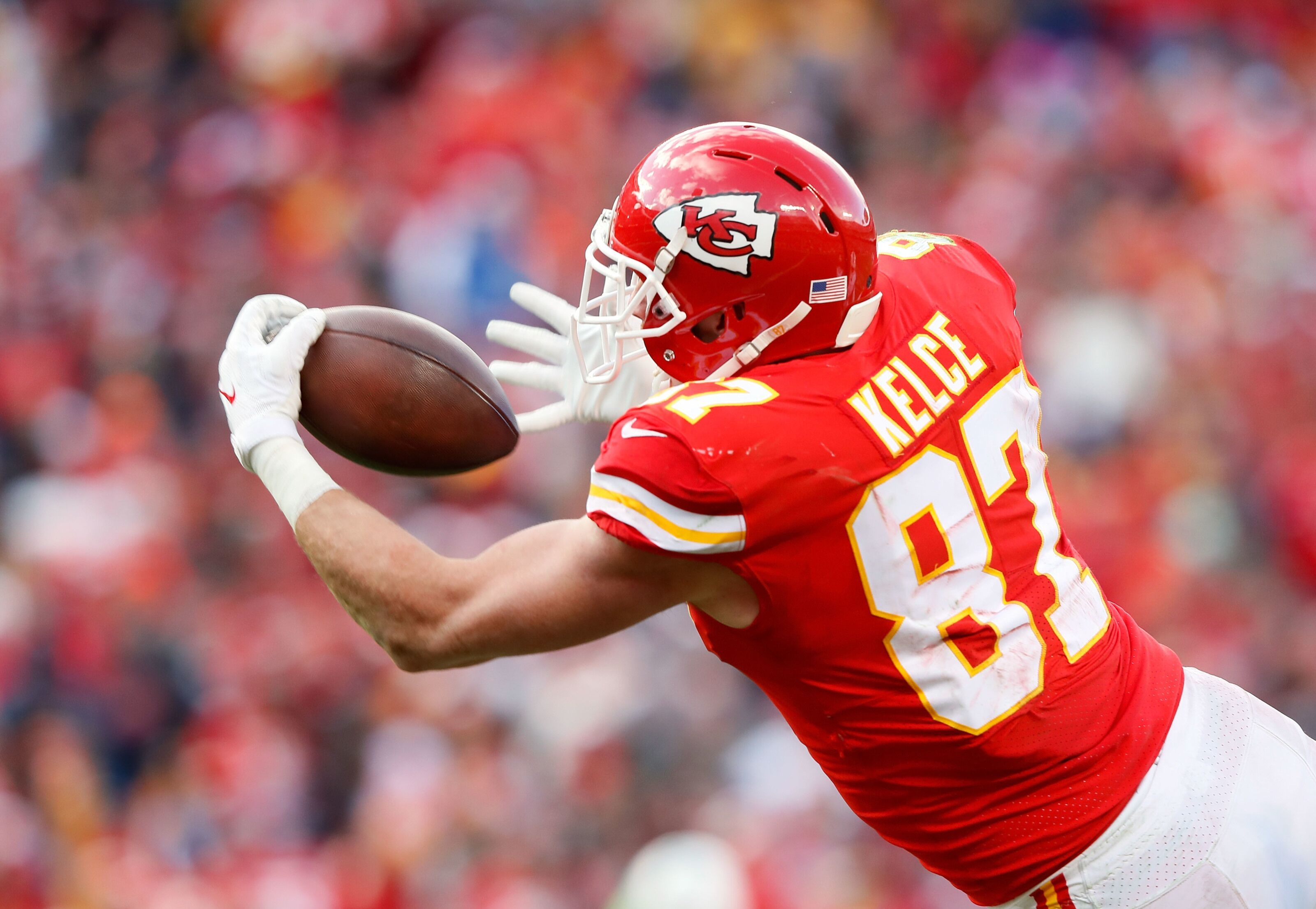 Espn Puts Travis Kelce Eric Berry And More Among Top 100 Players