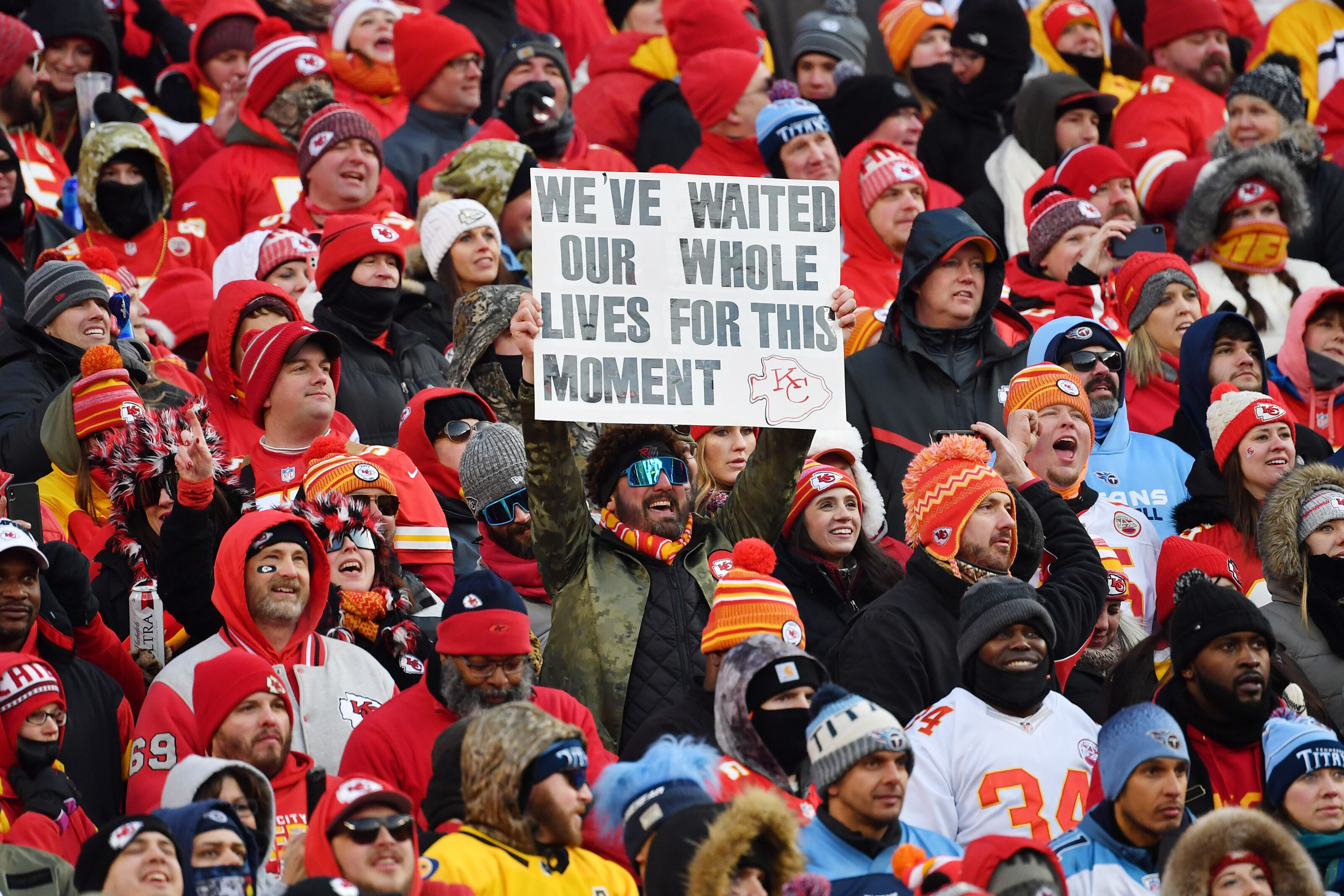 Chiefs open as favorites over 49ers in early Super Bowl LIV odds
