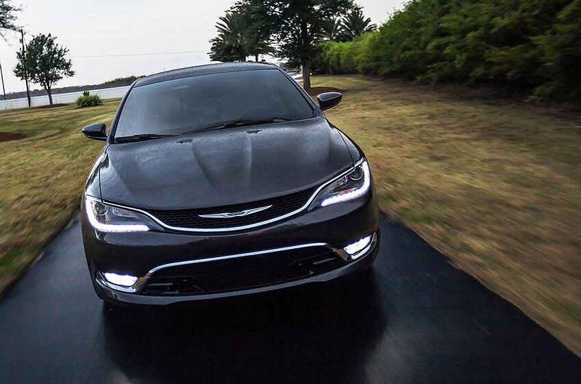 Is The 2016 Chrysler 200 Just A Grown Man S Dodge Neon Srt 4