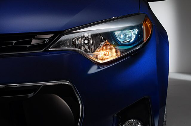 Toyota Corolla Led Headlamps Confuse Enthusiasts At Night