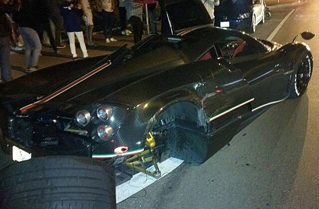 pagani huayra: la monza lisa crashes in miami