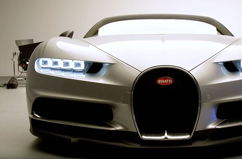 Bugatti chiron a closer look with motor trend for Motor trend channel youtube