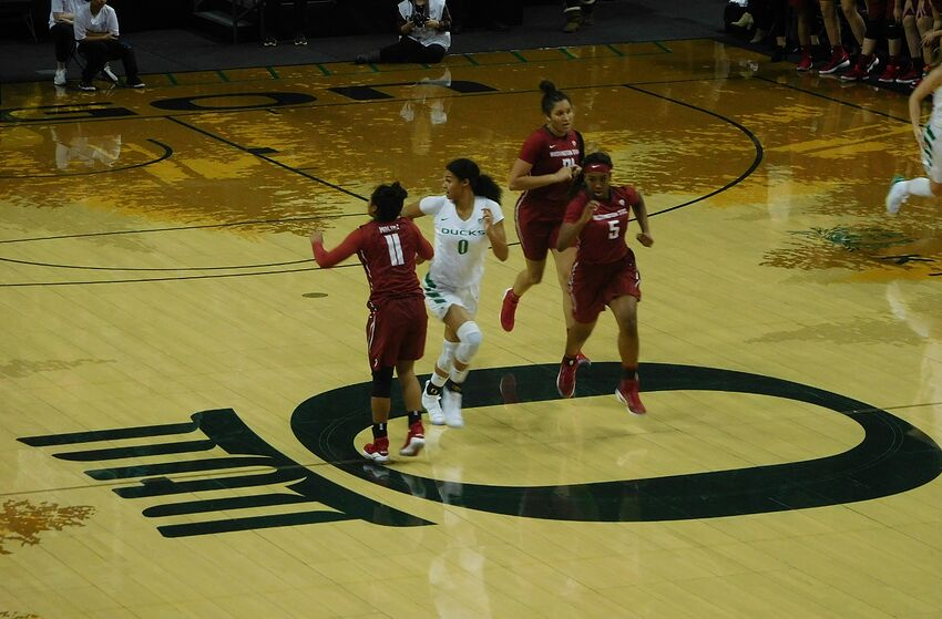 Oregon Ducks Look To Remain Undefeated In Pac-12 Play ...