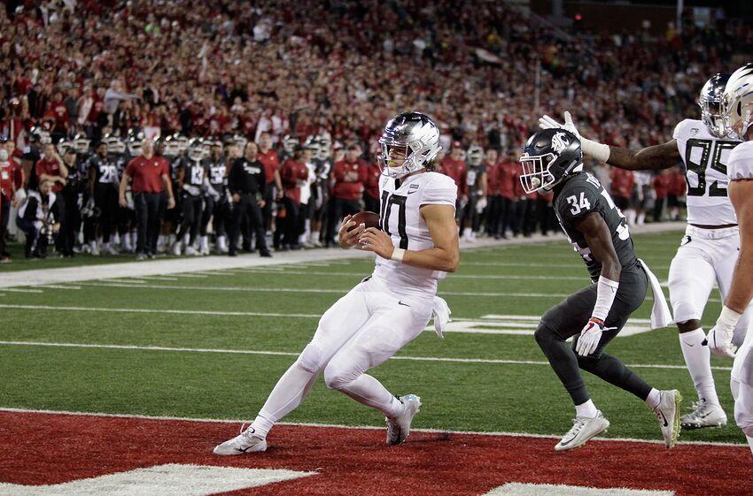 fc728a86b Oregon Football Struggles Through Adversity In Loss To Washington State