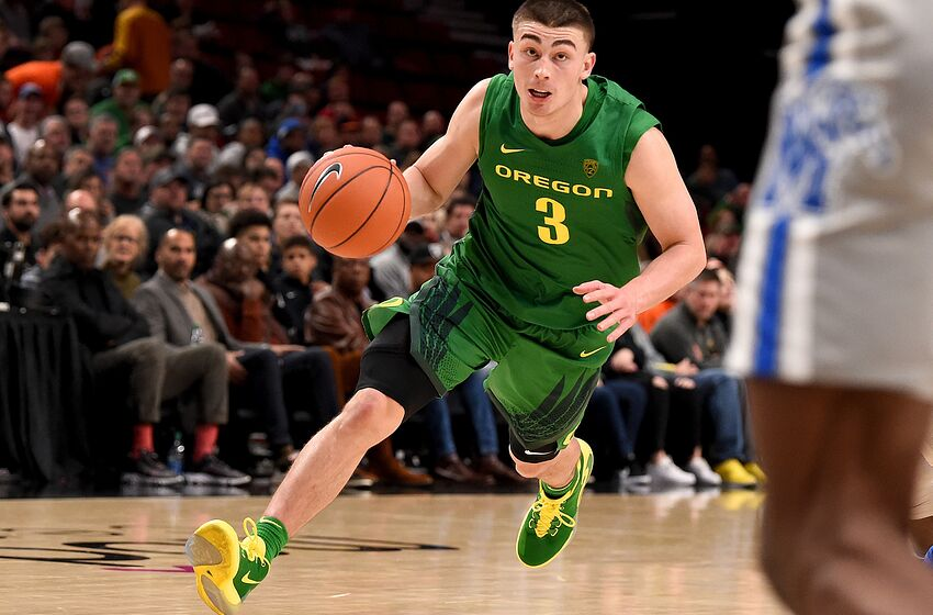 PORTLAND, OREGON - NOVEMBER 12: Payton Pritchard #3 of the Oregon Ducks brings the ball up the court during the second half of the game at Moda Center on November 12, 2019 in Portland, Oregon. Oregon won the game 82-74. (Photo by Steve Dykes/Getty Images)