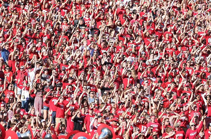 Wisconsin Football Badgers Land In Top 25 Of Overall Attendance