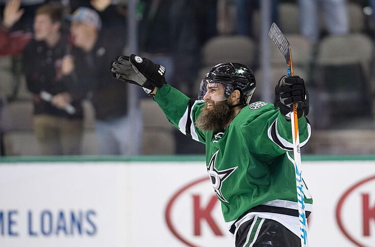 huge selection of 85d9b 6fb01 Dallas Stars Need To Sign Patrick Eaves To Longer Term