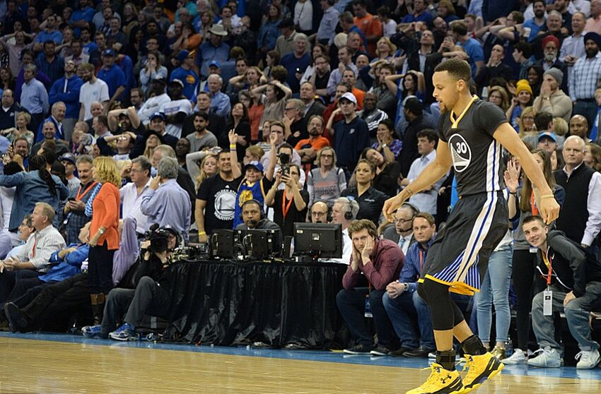 a4db46e7aa5 Stephen Curry s Heroics Draw Praise from Around the NBA