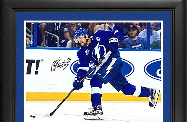detailed look 62a37 275b2 Tampa Bay Lightning Gift Guide: 10 must-have Steven Stamkos ...