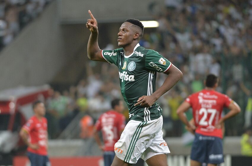 Borussia dortmund interested in barcelona target yerry mina sao paulo brazil march 15 yerry mina of palmeiras celebrates their first goal stopboris Choice Image