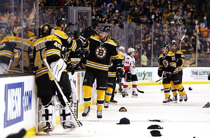 quality design 160bb db411 Boston Bruins Reach 3000 Franchise Wins