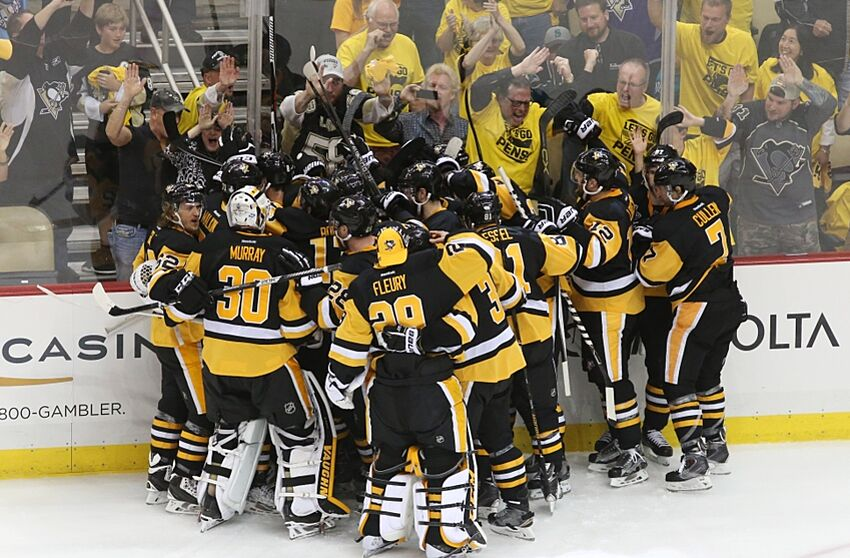 Nhl Penguins Move To Brink Of Hoisting Stanley Cup With 3 1 Win Over Sharks