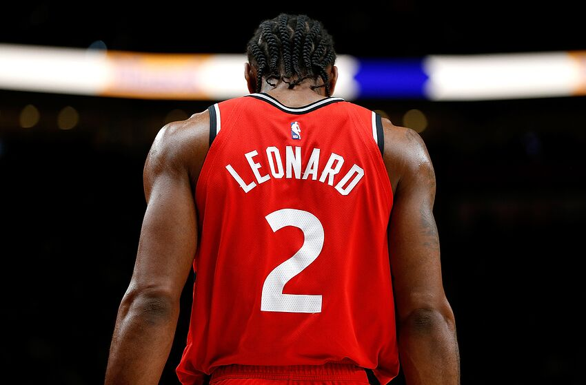 23bace31c NBA Execs  Kawhi will sign with LA Clippers or Raptors this summer