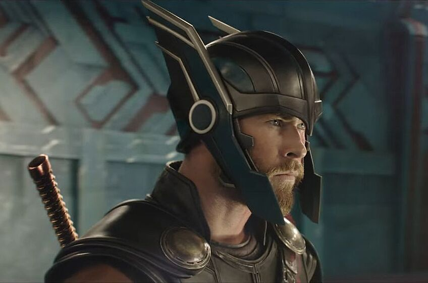 Thor Finally Dons His Signature Helmet In New Thor Ragnarok Trailer
