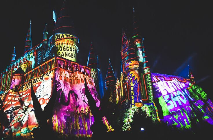 Why doesn't Universal Orlando have a Harry Potter-themed hotel?