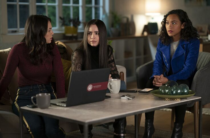 Pretty Little Liars: The Perfectionists season 1 finale live