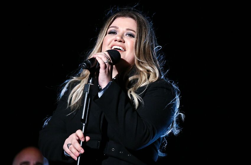 "Kelly Clarkson Sang ""It's Quiet Uptown"" From Hamilton On"