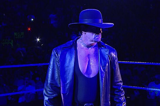The Undertaker's Opponent at WrestleMania 32 Should Be ...