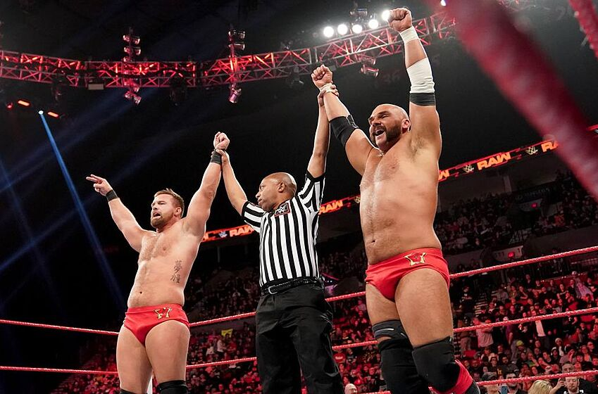 Lucha House Party vs. Heavy Machinery vs. The B-Team vs. The Revival – Four Corners Tag Team Match. Four Team Red tandems collide for a Raw Tag Team Title opportunity. Photo Credit: WWE.com