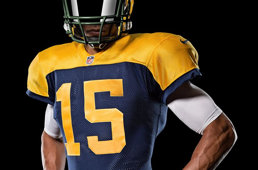 0c47ca1f04c The Green Bay Packers will honor the 1937-49 era squads with their  alternate jerseys