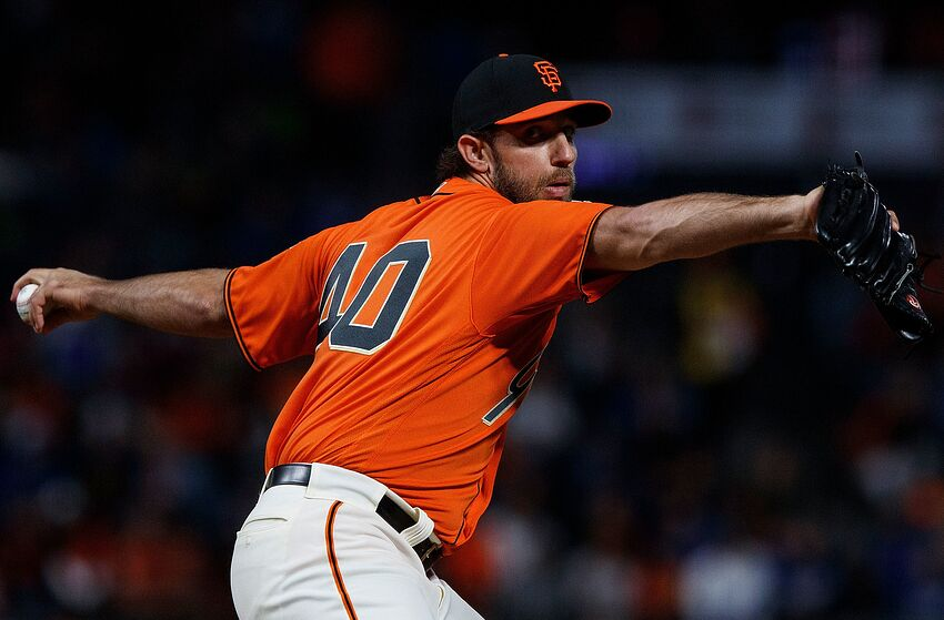 SAN FRANCISCO, CA - SEPTEMBER 28: Madison Bumgarner #40 of the San Francisco Giants pitches against the Los Angeles Dodgers during the first inning at AT&T Park on September 28, 2018 in San Francisco, California. (Photo by Jason O. Watson/Getty Images)