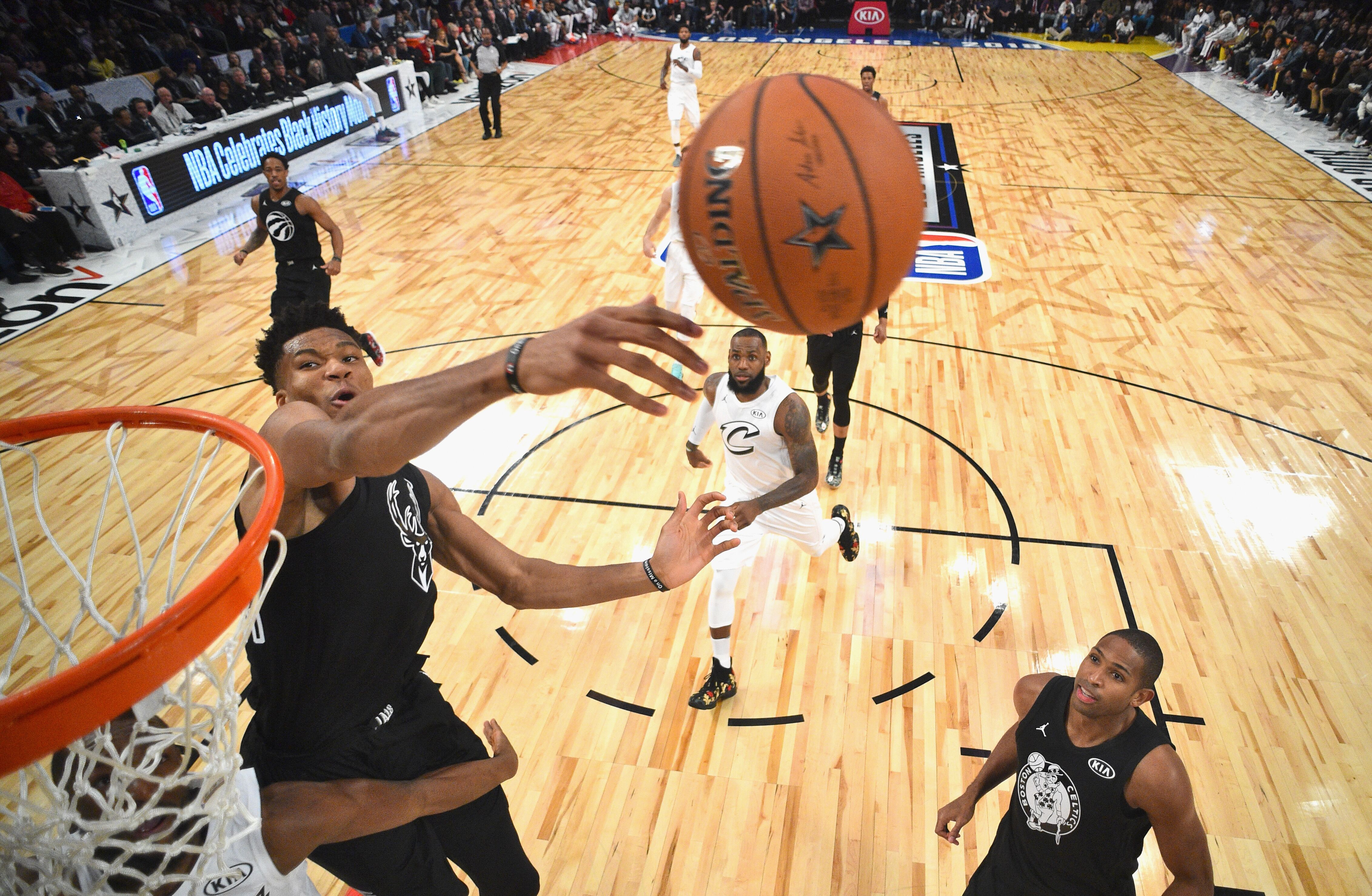 LOS ANGELES, CA - FEBRUARY 18: Giannis Antetokounmpo #34 of Team Stephen blocks a shot during the NBA All-Star Game 2018 at Staples Center on February 18, 2018 in Los Angeles, California. (Photo by Pool/Getty Images)
