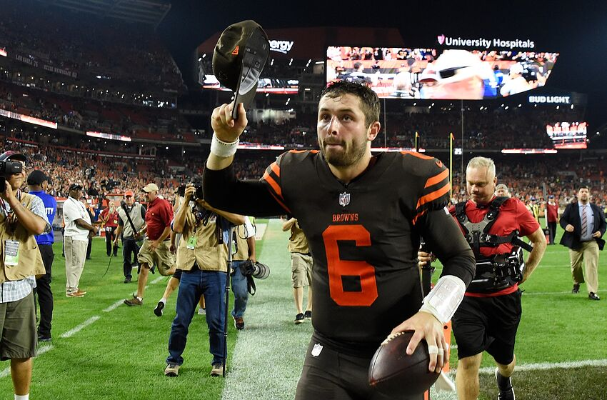 29a5c2ecd CLEVELAND, OH - SEPTEMBER 20: Baker Mayfield #6 of the Cleveland Browns runs