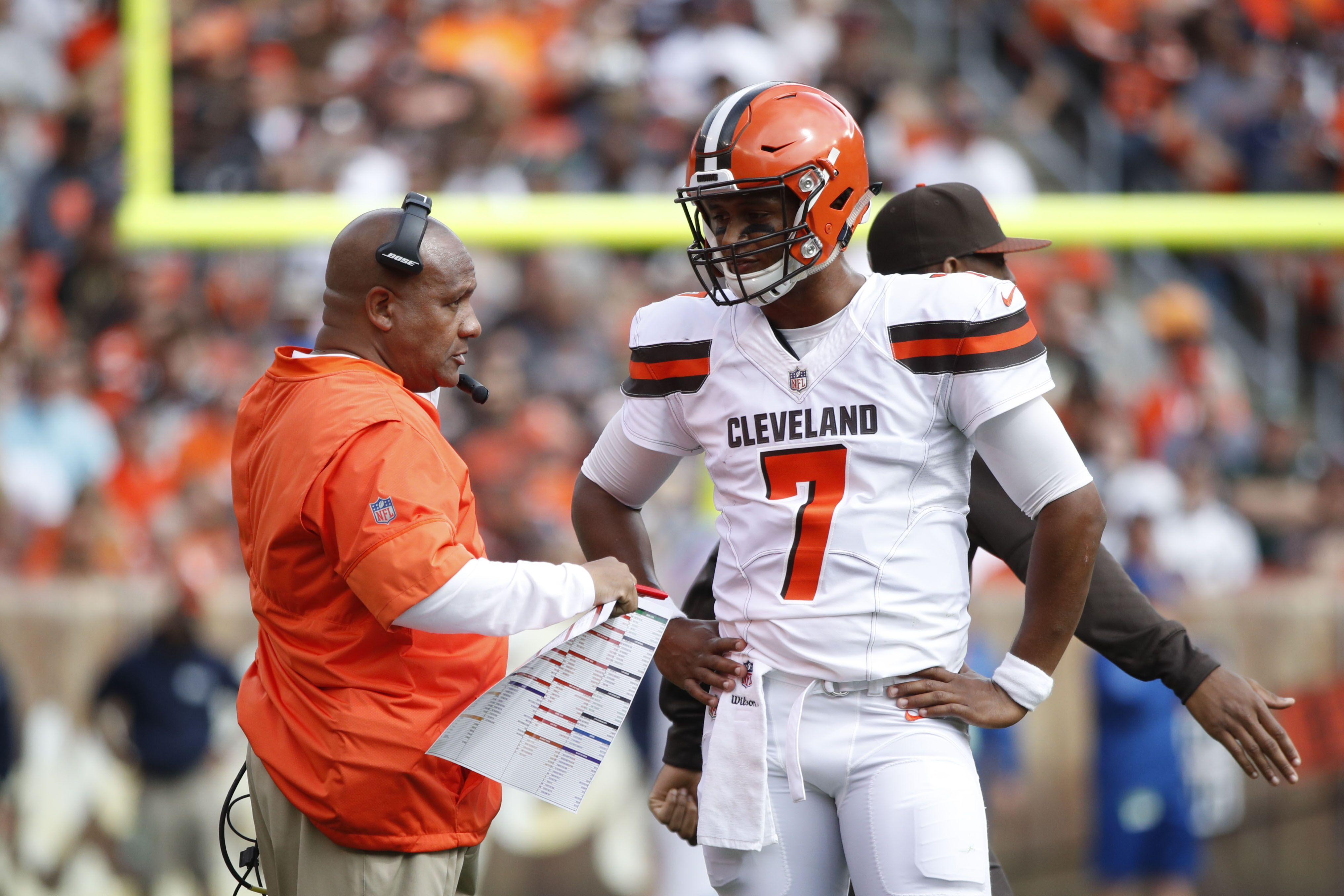 Cleveland Browns: Is Hue Jackson really a quarterback whisperer?