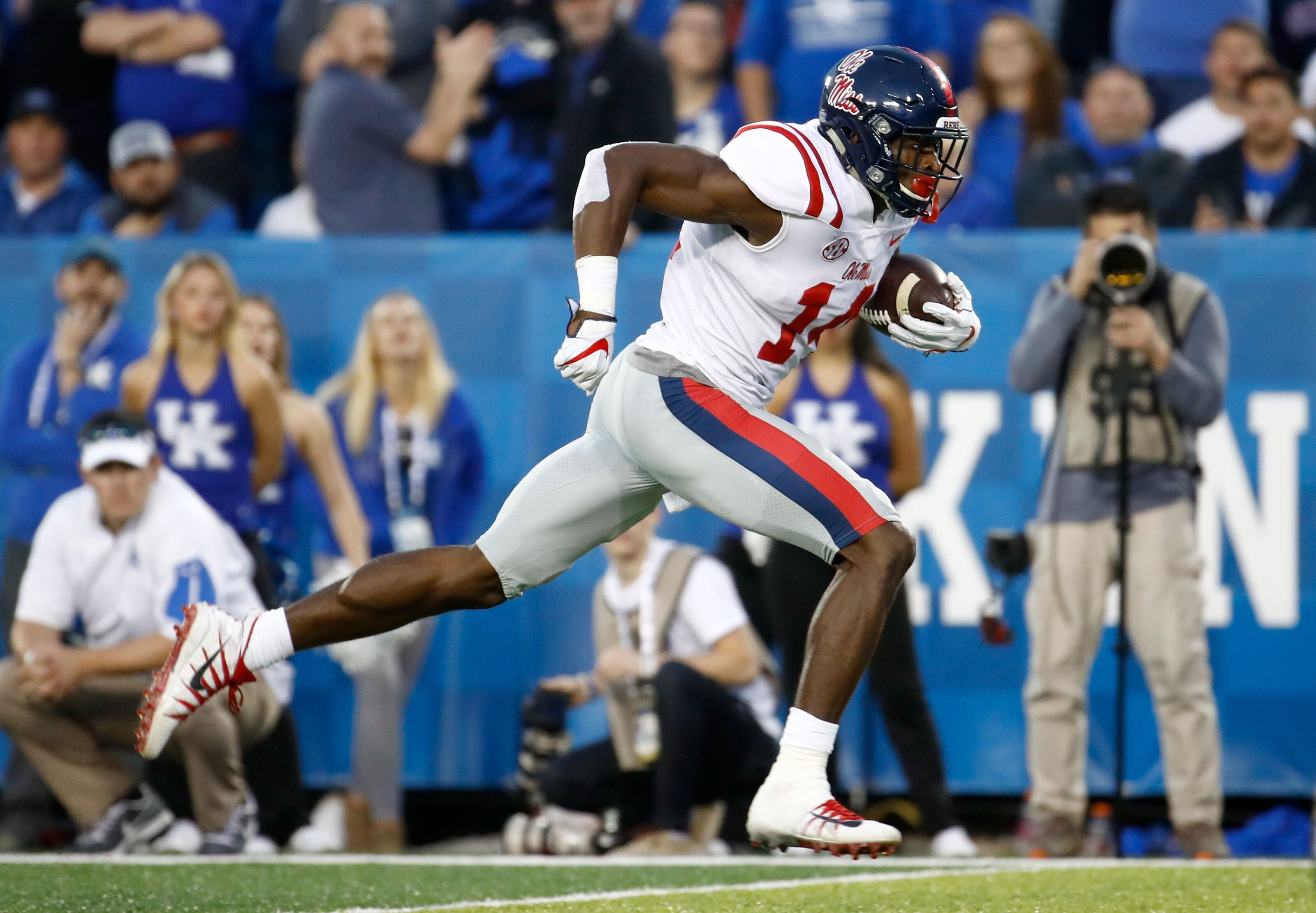 Cleveland Browns: Is D.K. Metcalf in play at 17th overall?