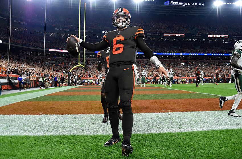 525139392 Cleveland Browns  Mayfield versus Brady week one Sunday night