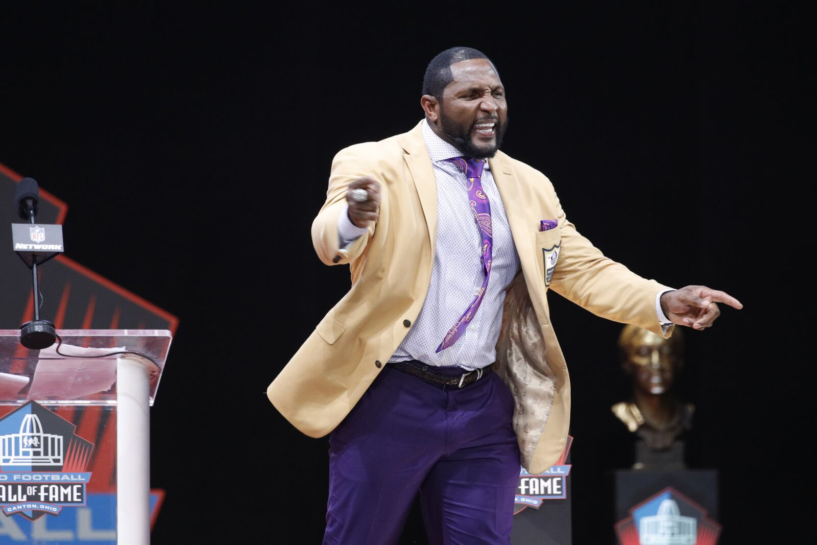 Ray Lewis was in vintage form for Hall of Fame induction ...