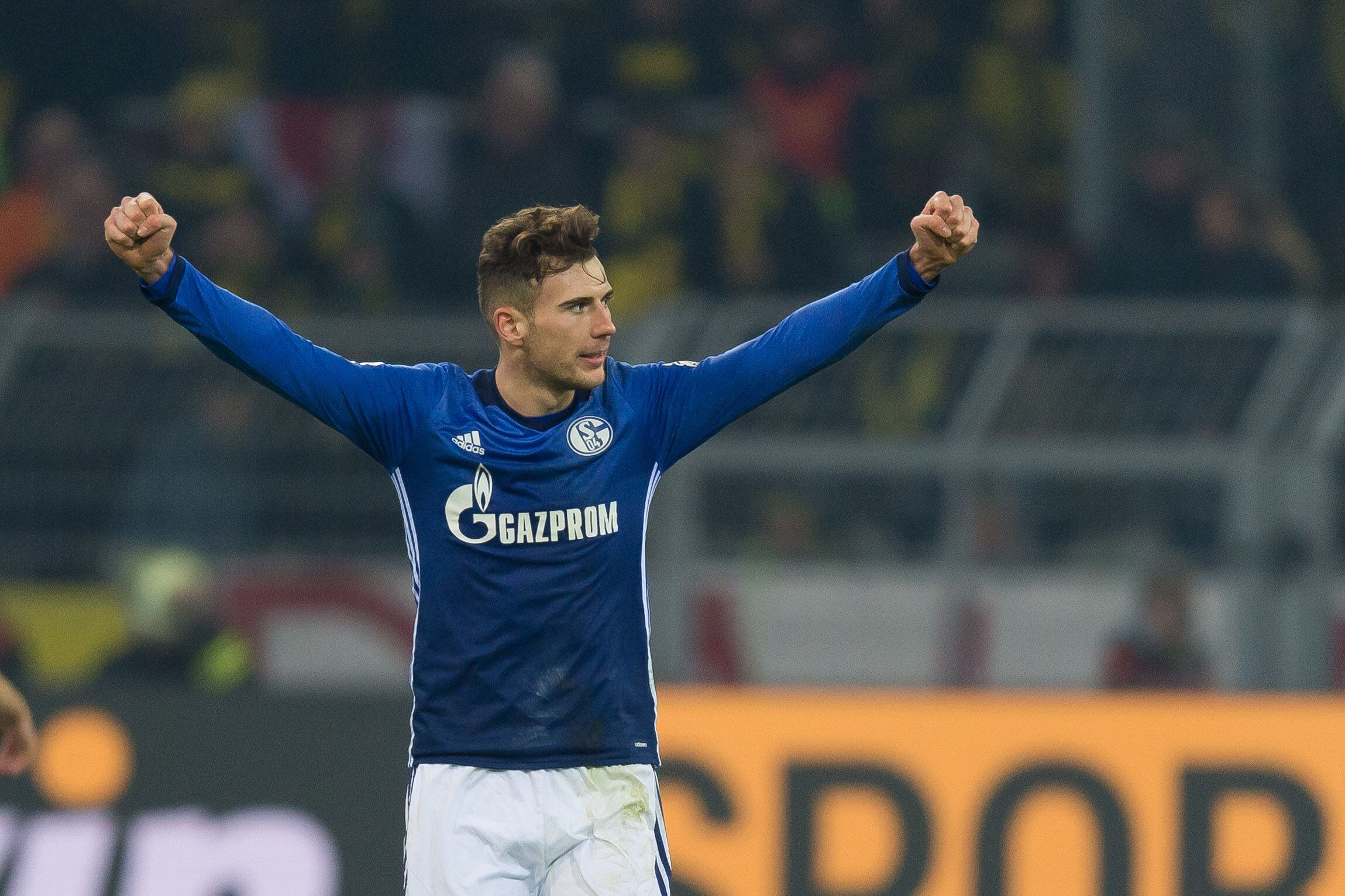 Dortmund Germany November 25 Leon Goretzka Of Schalke Celebrates After Winning The Bundesliga