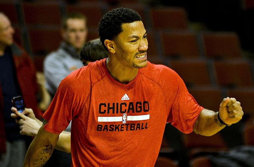 76a659c4d477 NBA Rumors  Derrick Rose prefers Kevin Love to Carmelo Anthony