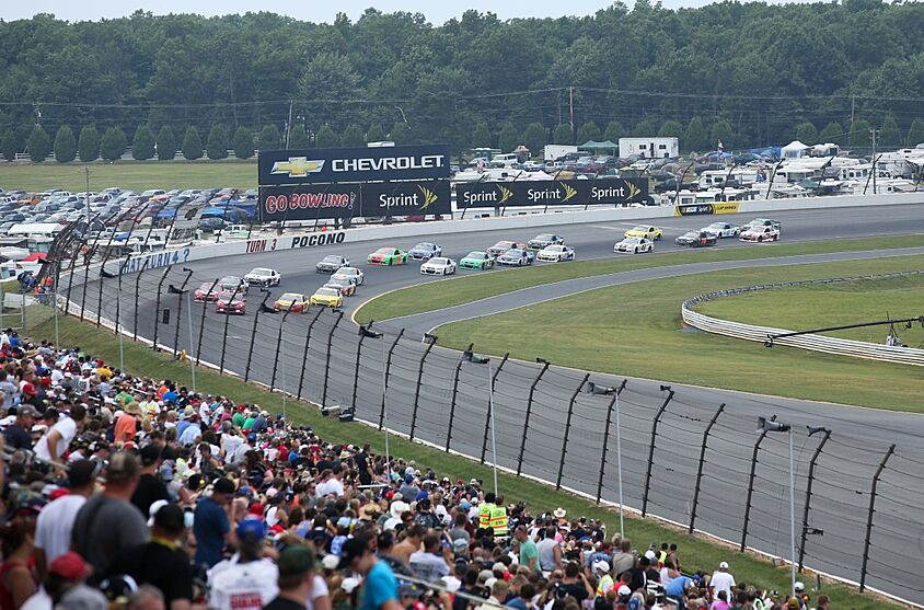 NASCAR at Pocono 2014: 13-car pile up in GoBowling com 400 (GIF)