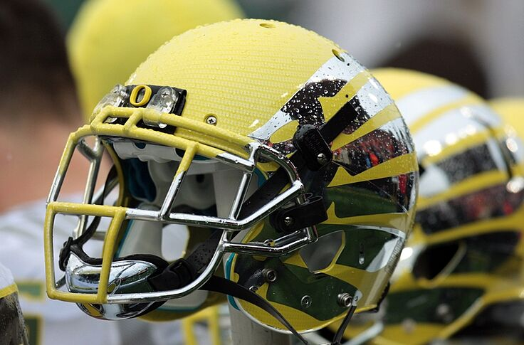 new style 27b48 0a927 Oregon to wear black 'Combat Duck' helmet vs Georgia State ...