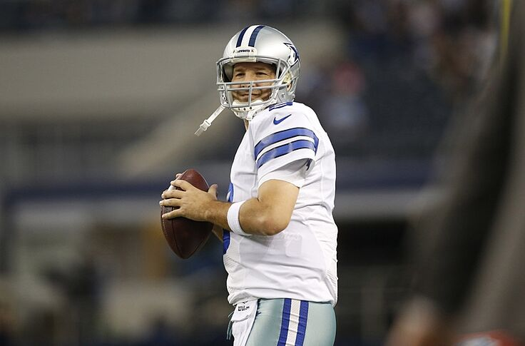 new arrival 4c2f9 fae74 Cowboys' Tony Romo trolls Patriots, deflategate