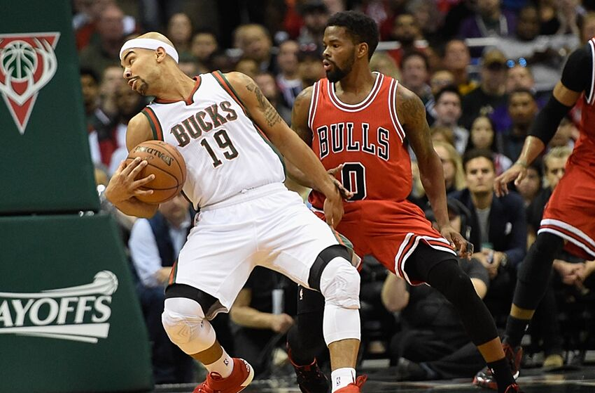 Bucks Jerryd Bayless Hits Game Winning Lay Up Vs Bulls Beats Buzzer