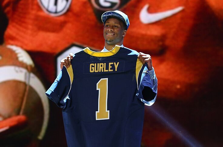 best loved 15cb2 85be2 Todd Gurley puts on a Rams jersey for Madden (Photo)